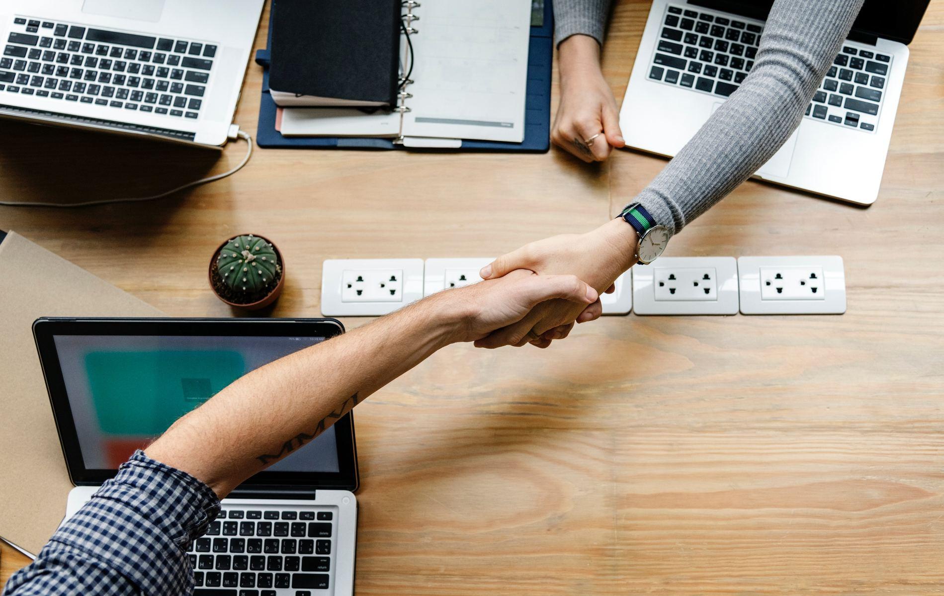möblum-coworking_y_sus_diferentes_modalidades-coworking-espacios-negocios-networking-profesionales(1)