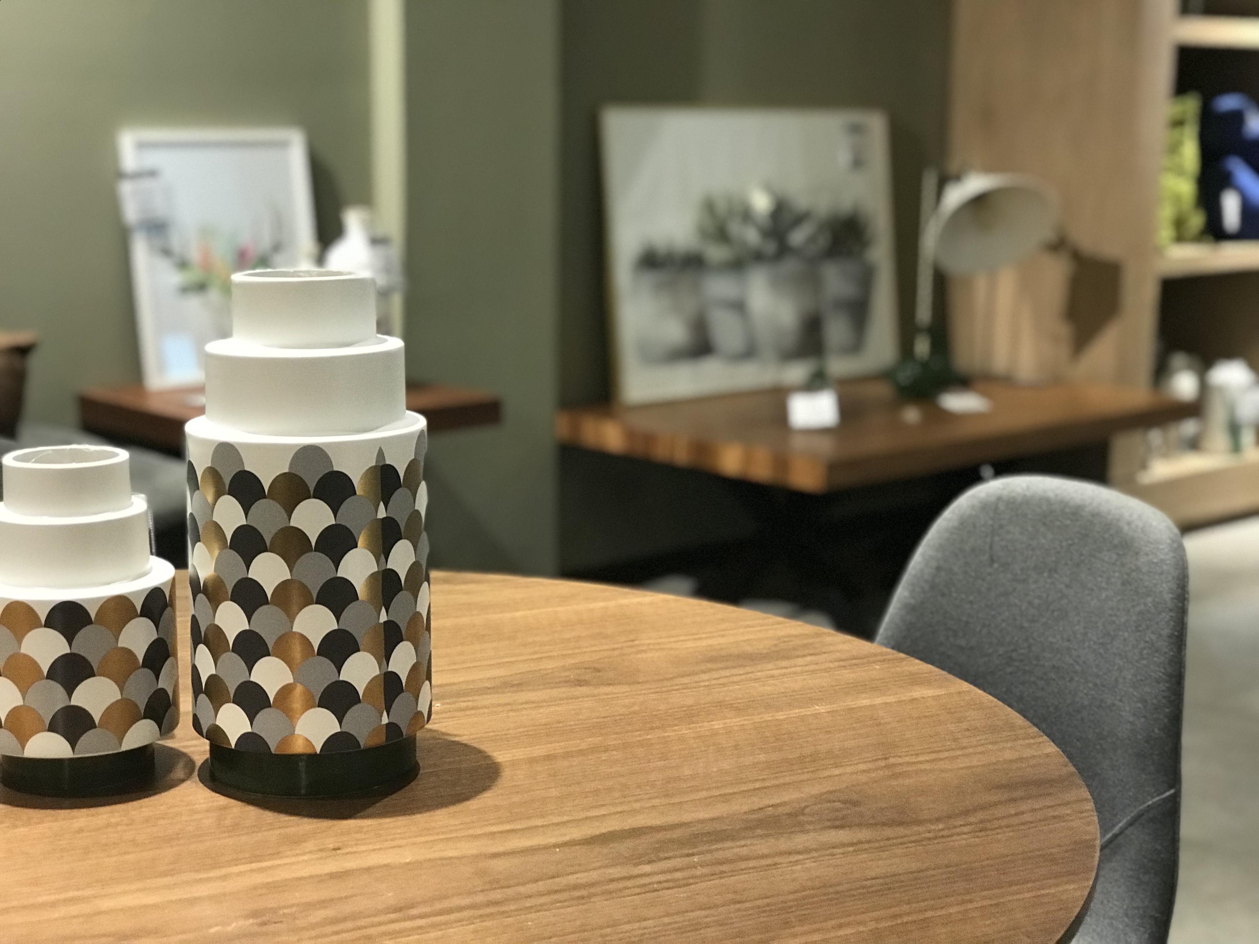 Muebles y accesorios de diseño en möblum