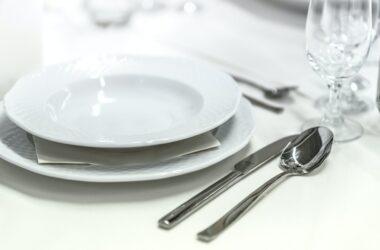 Cómo montar una mesa para una cena formal